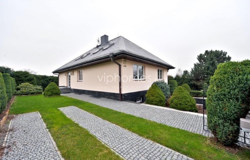 HOUSE FOR RENT, Pod rozvodnou street, Prague 4 - Šeberov